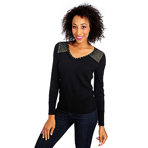 713-846 - Glitterscape Fine Gauge Knit Long Sleeved Metallic Shoulder V-Neck Sweater