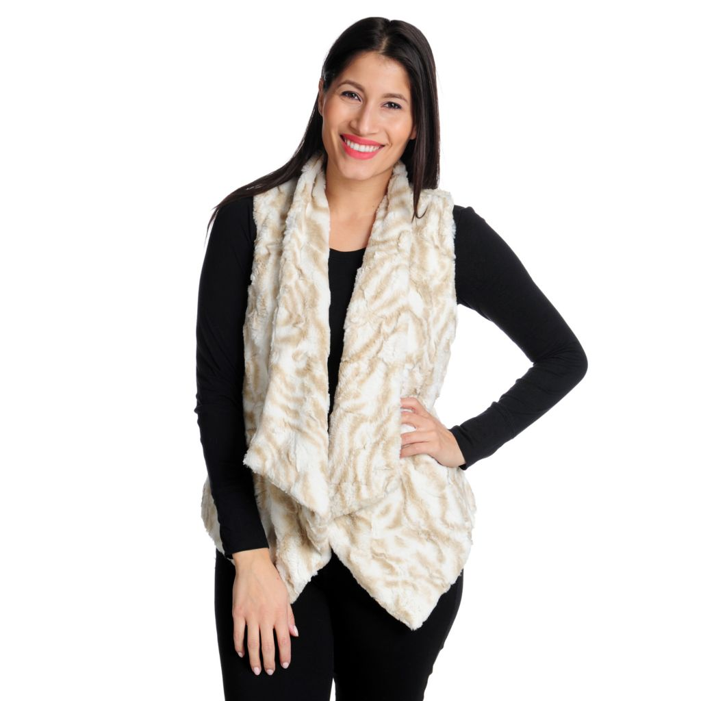 713-941 - WD.NY Faux Fur Fully Lined Open Front Cascade Vest