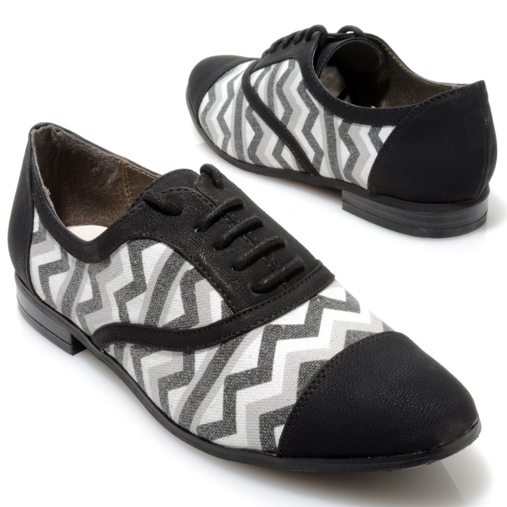 714-120 - Michael Antonio® Aztec Printed Lace-up Oxfords