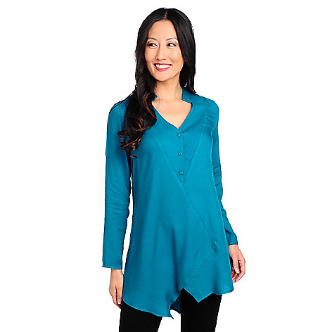 714-229 - Kate & Mallory Woven Roll Tab Sleeved Uneven Hem V-Neck Top