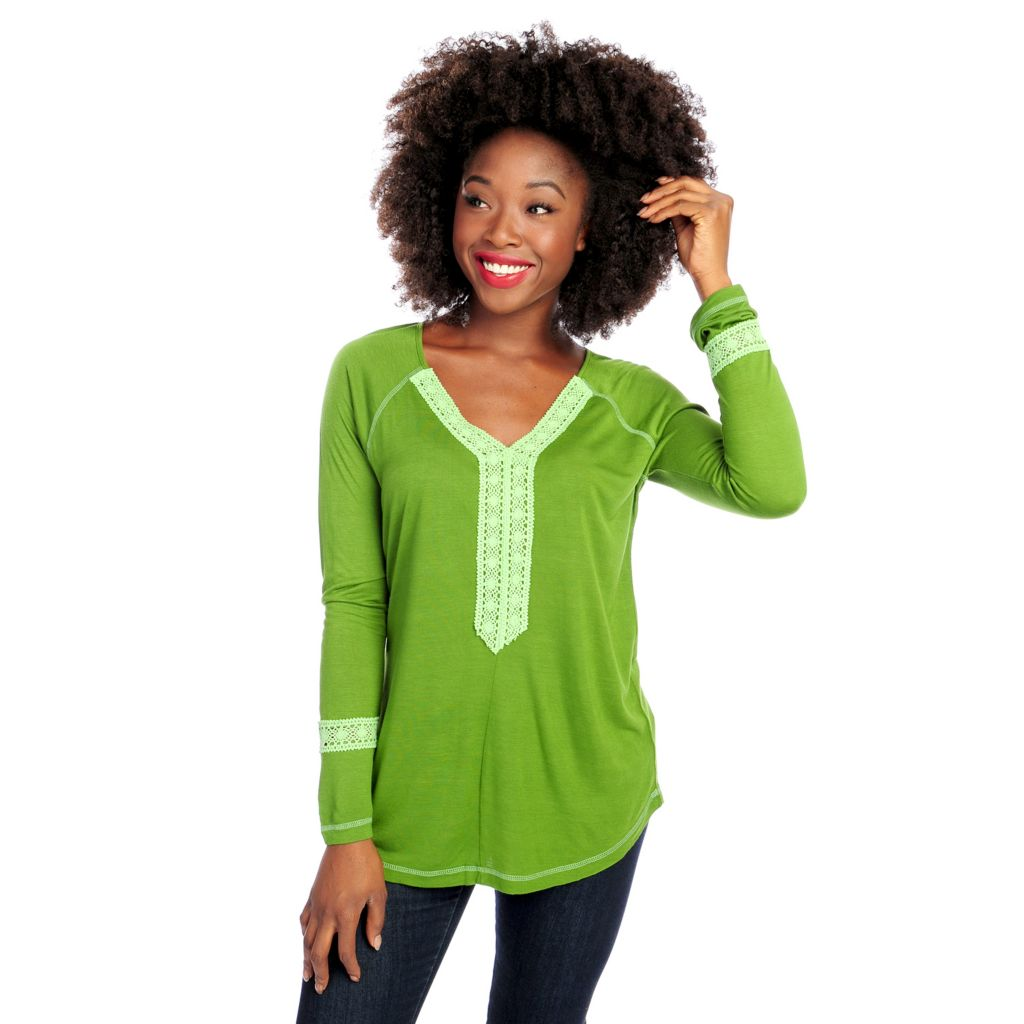 714-667 - One World Stretch Knit Raglan Sleeved Lace Detail V-Neck Top