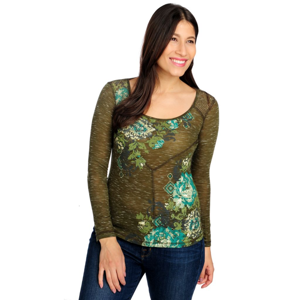 714-677 - One World Heathered Knit Long Sleeved Scoop Neck Printed Top