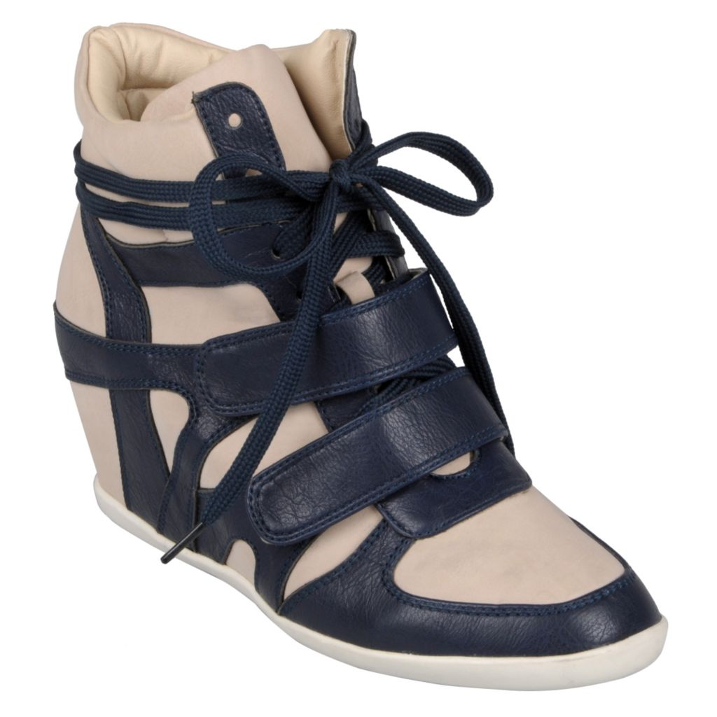 714-822 - Hailey Jeans Co. Women's 'Alana-27' Lace-up High Top Wedges
