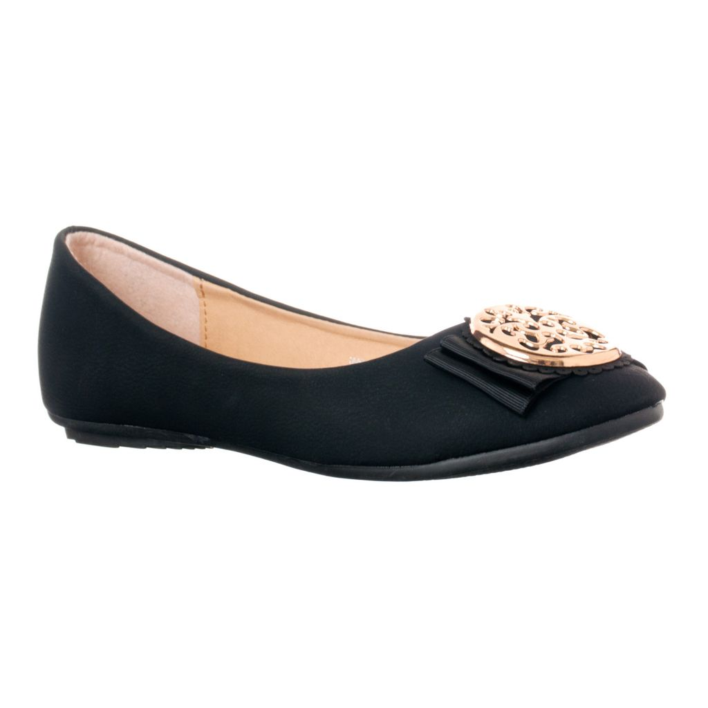 714-919 - Radiant by Riverberry Women's Winwin Medallion Detailed Flats