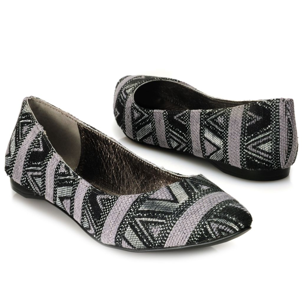 715-108 - Matisse® Tribal Print Pointed Toe Ballet Flats