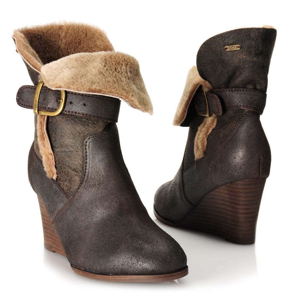 715-479 - EMU® Waxed Suede Leather & Sheepskin Belted Roll Down Short Wedge Boots
