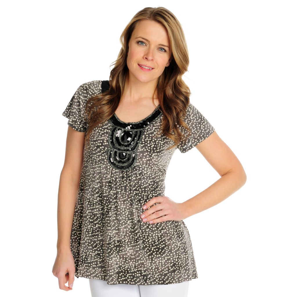 715-565 - Glitterscape Stretch Knit Flutter Sleeved Sequin Detailed Sharkbite Hem Top
