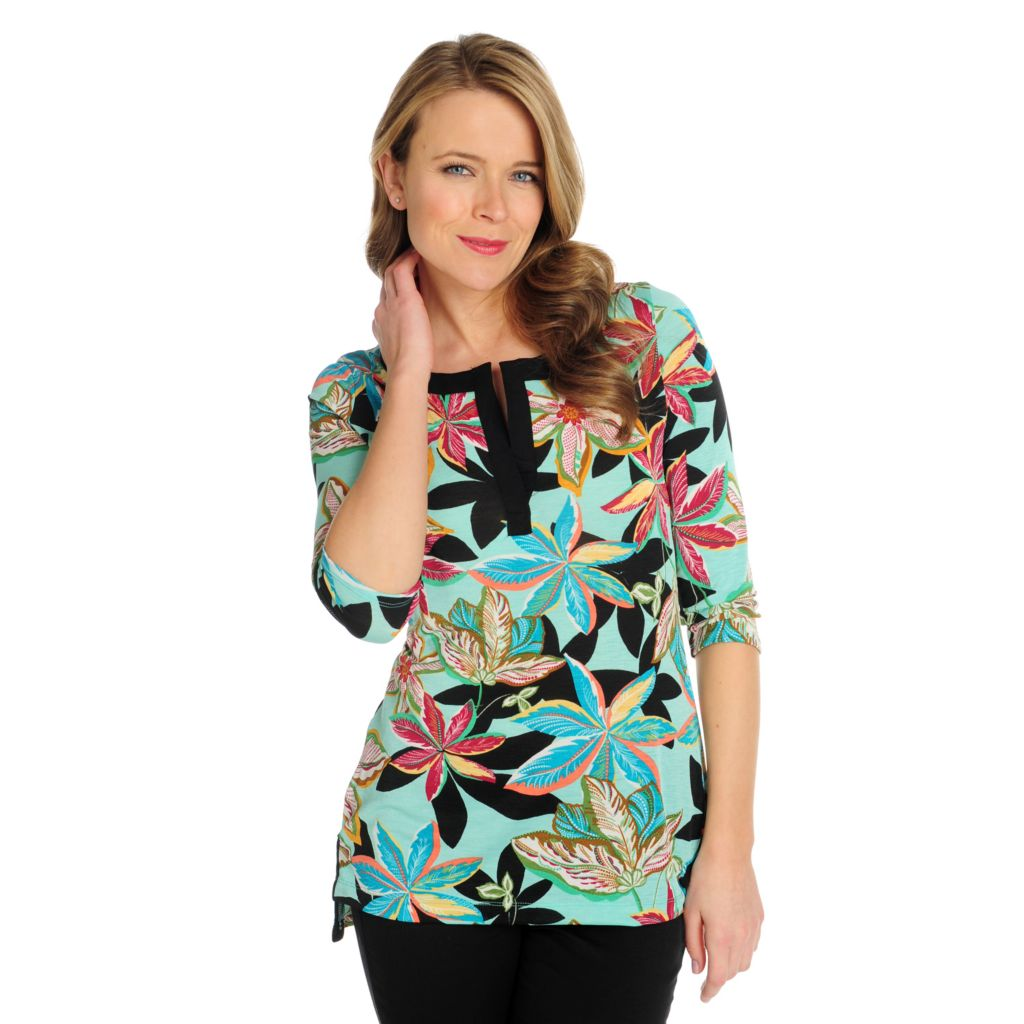 715-740 - Kate & Mallory Printed Knit 3/4 Sleeved Notch Neck Hi-Lo Top
