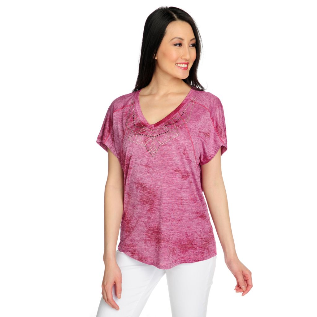 715-772 - One World Heathered Knit Short Sleeve Embellished V-Neck Tee