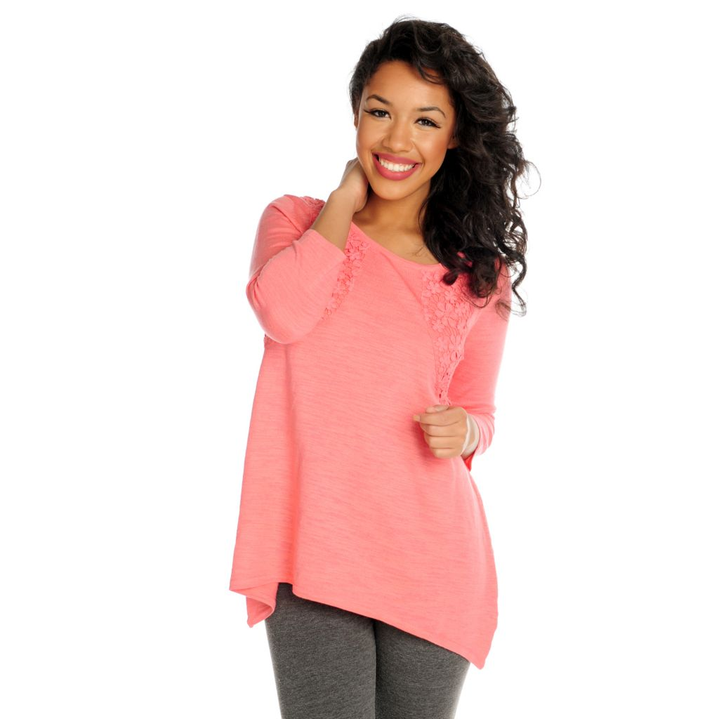715-939 - Love, Carson by Carson Kressley Sweater Knit 3/4 Sleeved Sharkbite Top