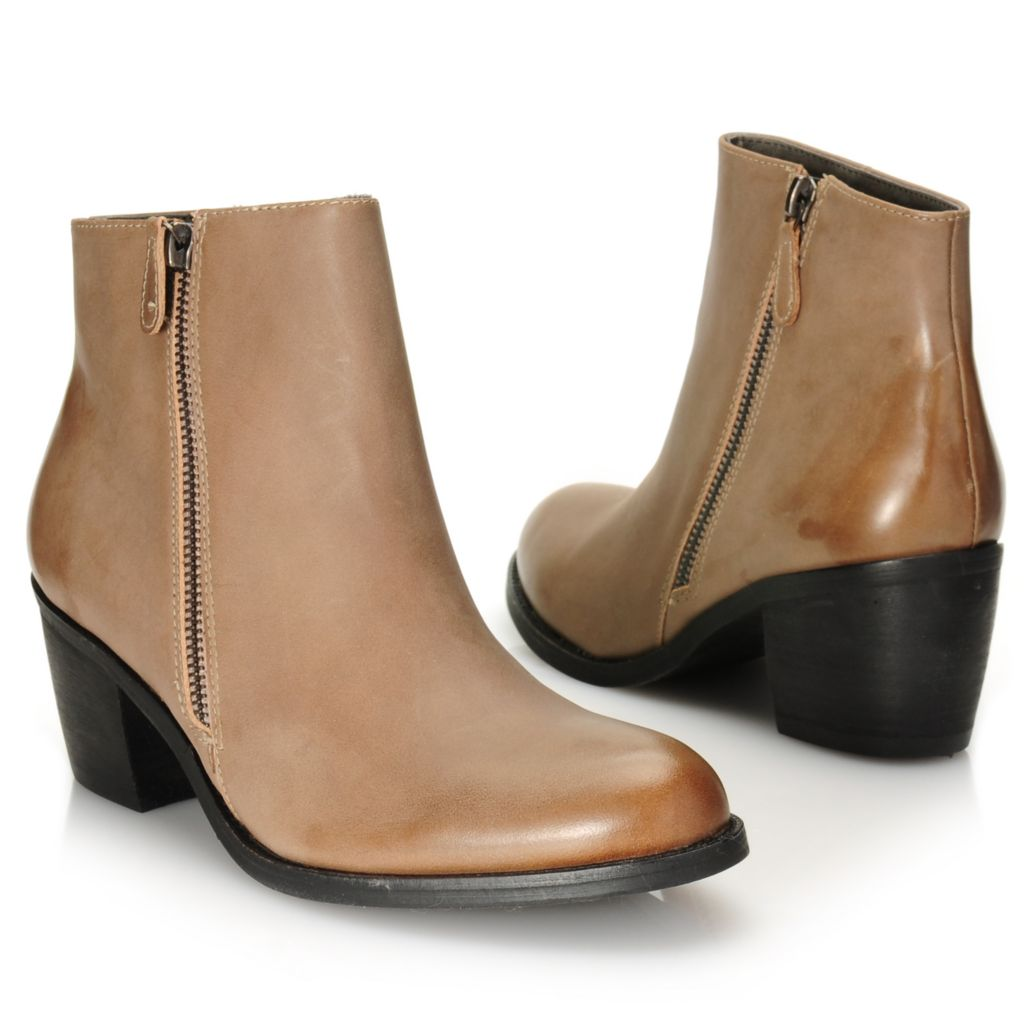 716-020 - Matisse® Leather Side Zip Ankle Boots