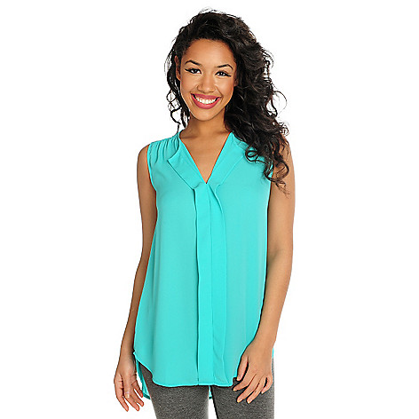 716-033 - Kate & Mallory Crepe Sleeveless Pleat Detailed Hi-Lo Tunic