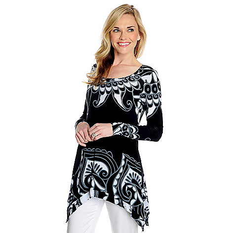 716-085 - Kate & Mallory® Stretch Knit Long Sleeved Sharkbite Hem Printed Tunic