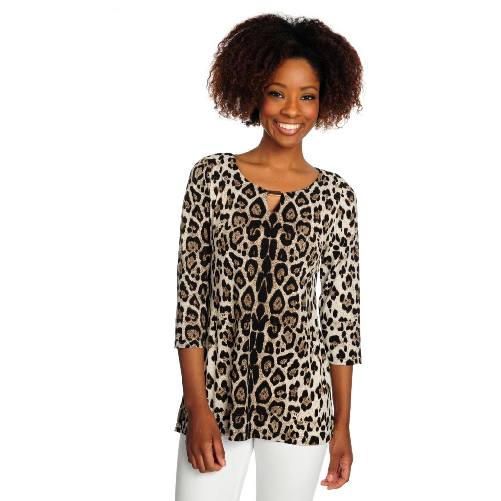 716-527 - aDRESSing WOMAN Printed Knit 3/4 Sleeved Notch Neck Printed Top