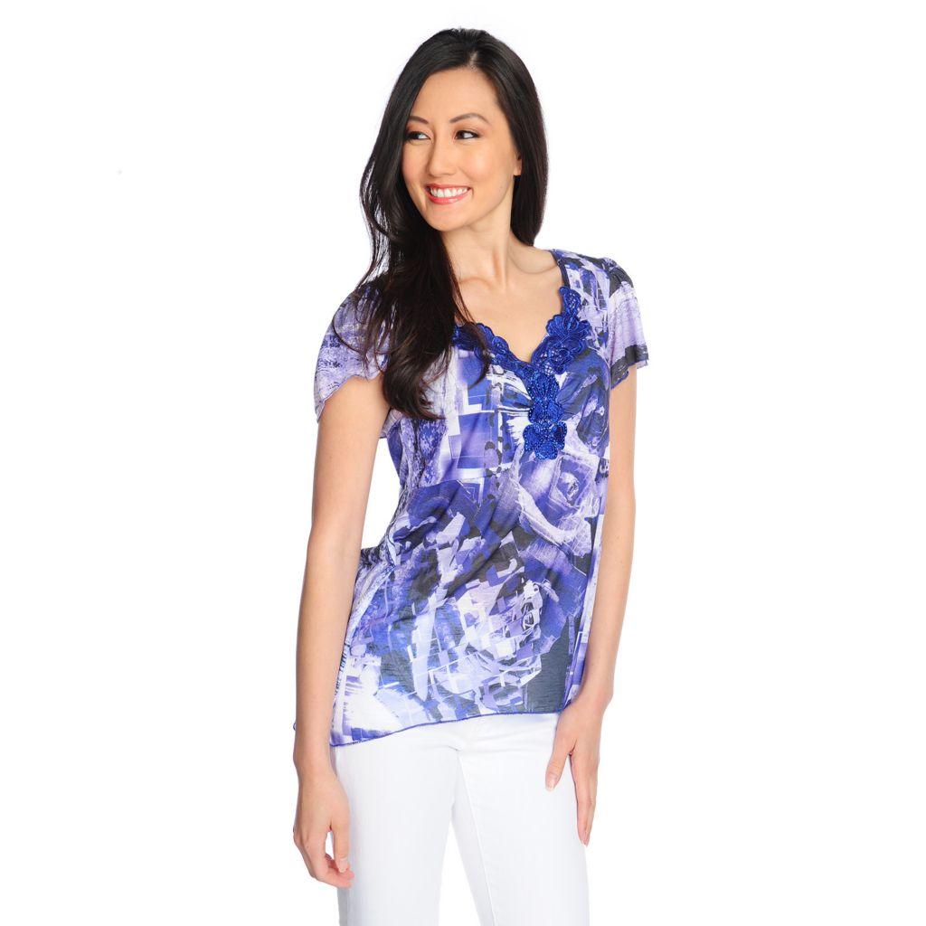 716-816 - One World Printed Slub Knit Flutter Sleeved Lace Applique Neck Sharkbite Hem Top