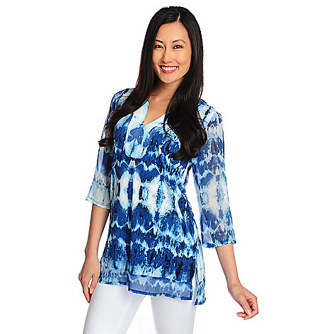 717-131 - Kate & Mallory® Mixed Media 3/4 Sleeve Printed Y-Neck Tunic