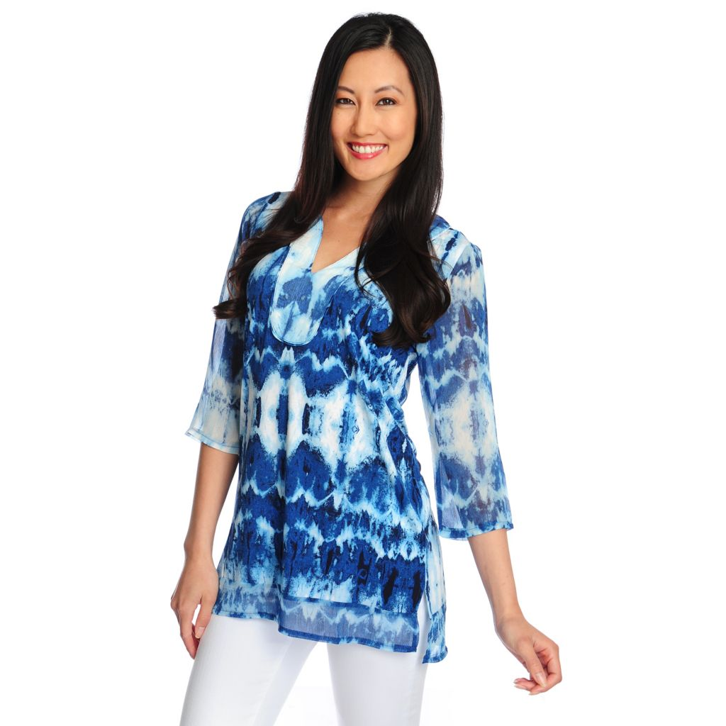 717-131 - Kate & Mallory Mixed Media 3/4 Sleeve Printed Y-Neck Tunic