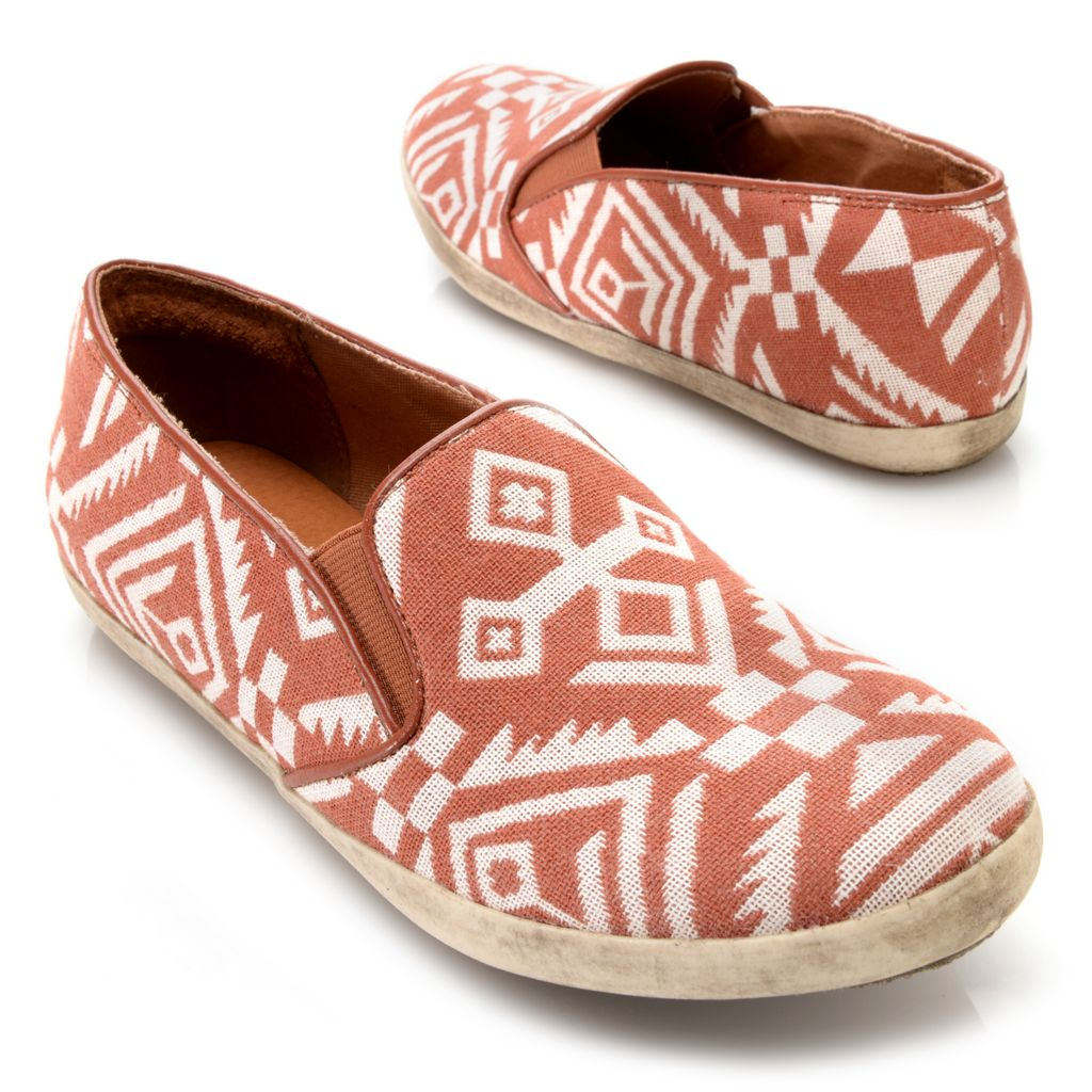 717-252 - Matisse® Woven Textile Aztec Design Slip-on Loafers