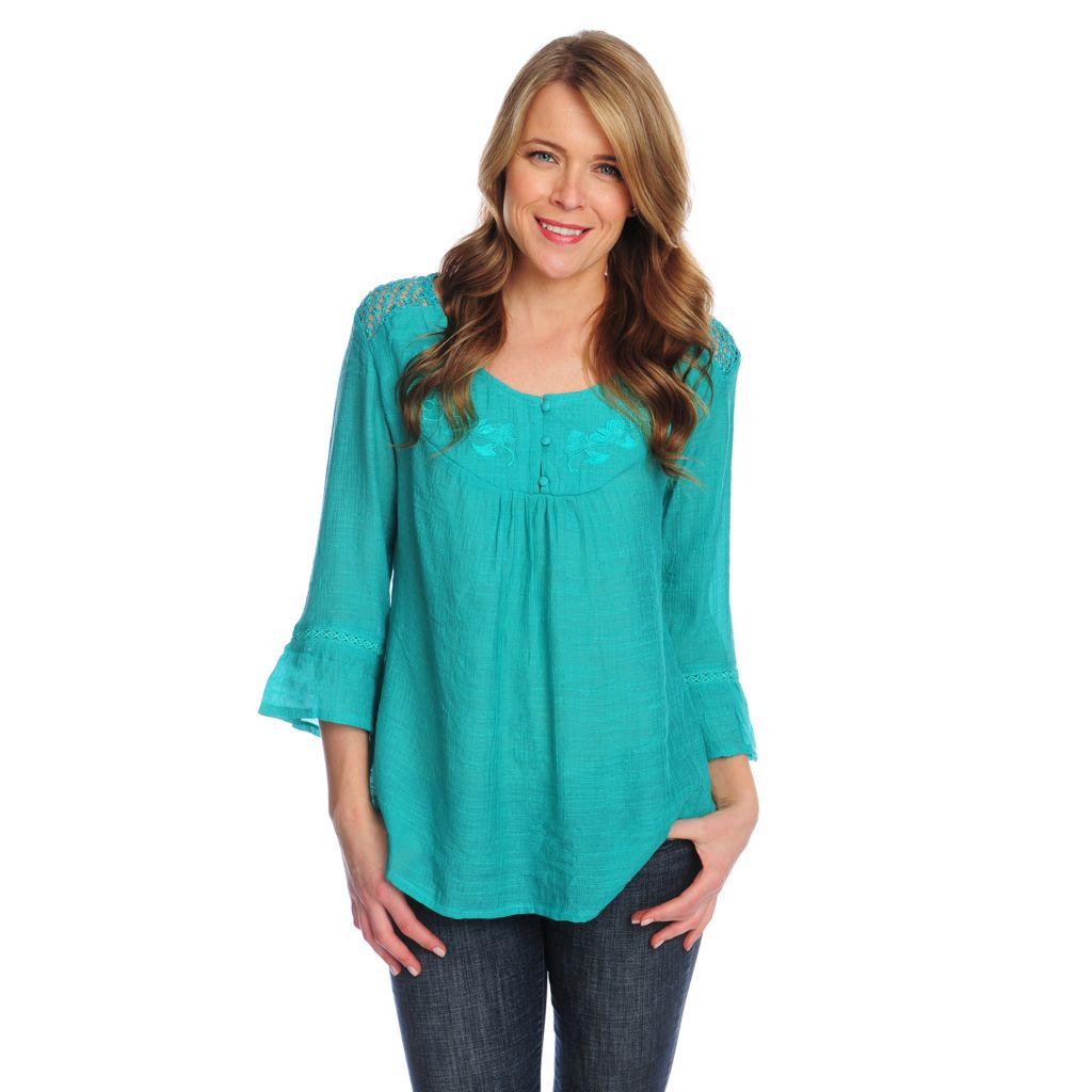 717-497 - OSO Casuals Slub Woven 3/4 Bell Sleeved Crochet Detailed Hi-Lo Top