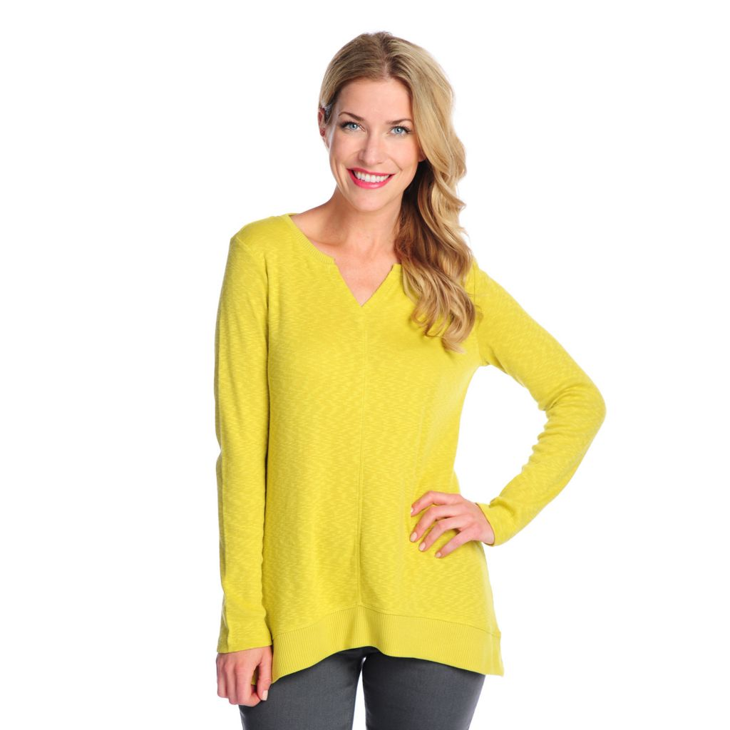 717-528 - OSO Casuals Slub Knit Long Sleeved Ribbed Trim Hi-Lo Sweater