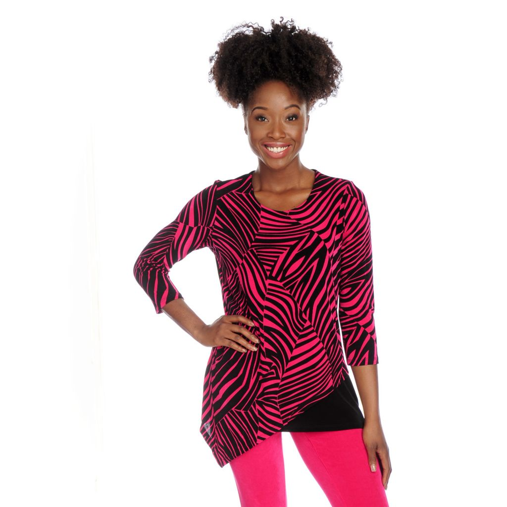 717-726 - Affinity for Knits™ 3/4 Sleeved Slanted Hem Printed Top