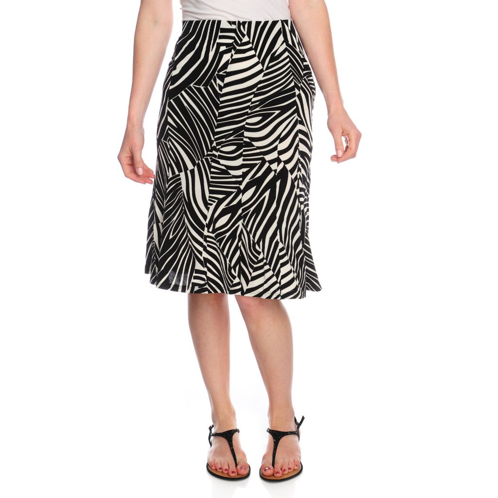 717-732 - Affinity for Knits™ Elastic Waist Gored Knee Length Printed Skirt