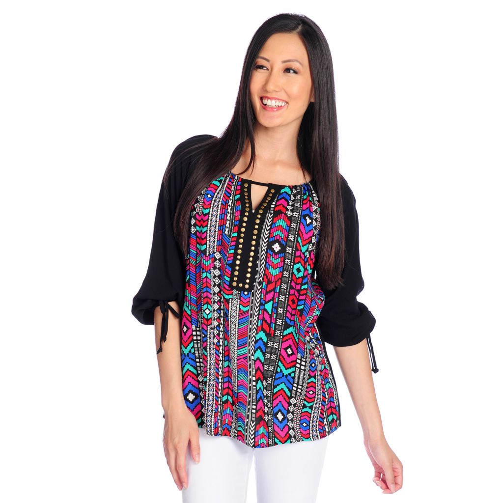 717-792 - OSO Casuals Printed Challis 3/4 Sleeved Nailhead Detailed Keyhole Neck Top