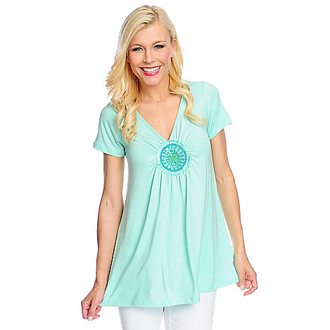 717-958 - Glitterscape Stretch Knit Short Sleeved Beaded Medallion V-Neck Top