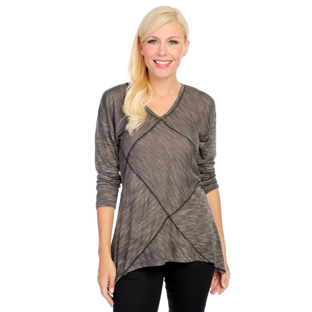 718-586 - Kate & Mallory Marled Knit 3/4 Sleeved Pieced V-Neck Sharkbite Top