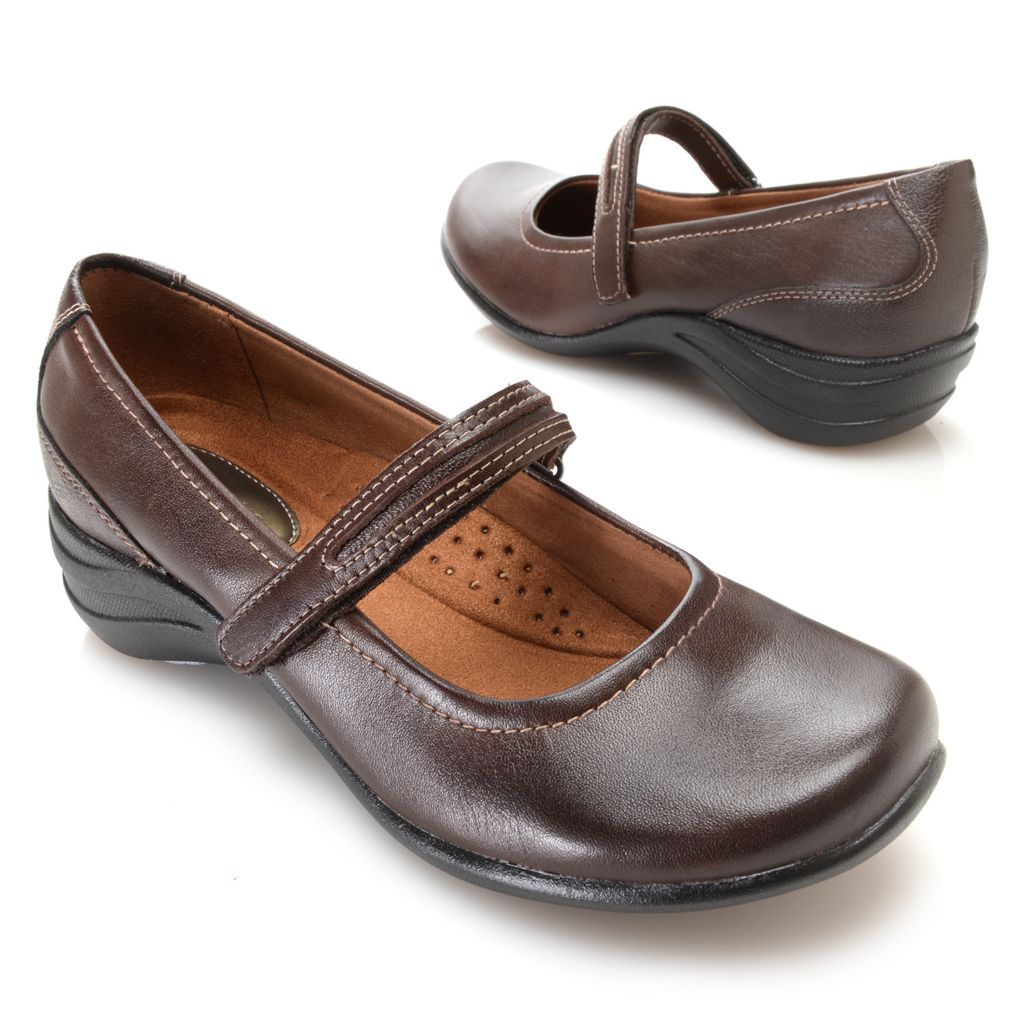 720-893 - Hush Puppies Leather Round Toe Mary Janes