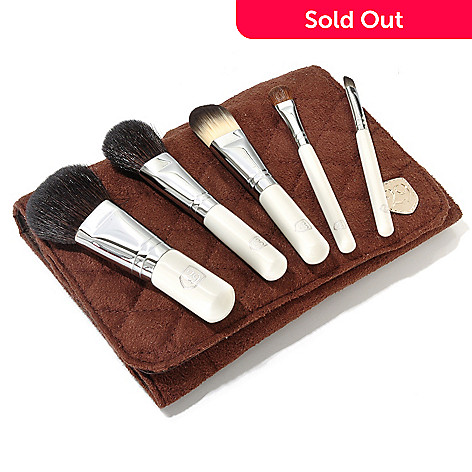 304-730 - 29 Cosmetics Seven-Piece Travel Essentials Brush Collection & Travel Bag