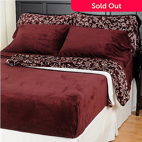 401-616 - Cozelle™ ComfortTouch™ Six-Piece Sheet Set & Printed Throw