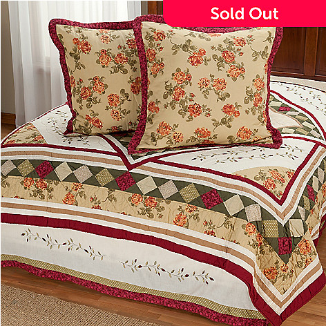 401-799 - North Shore[ ''Woodbury'' Diamond Motif Euro Sham Pair & Bed Skirt Set