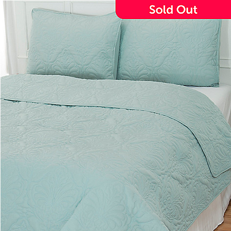 401-905 - Cozelle™ ''Regent'' 80 GSM Microfiber Three-Piece Coverlet Set