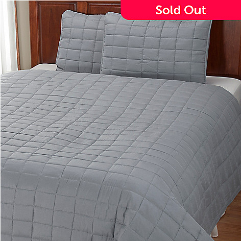 401-947 - Cozelle® ''Grid'' Microfiber Three-Piece Coverlet Set