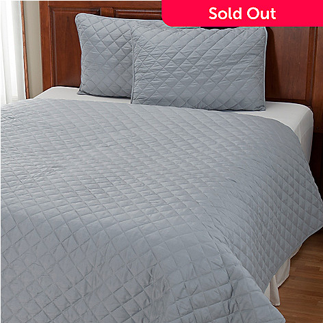 401-948 - Cozelle™ ''Diamond'' Microfiber Three-Piece Coverlet Set
