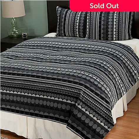 402-001 - Cozelle® Dot Pattern Three-Piece Duvet Set