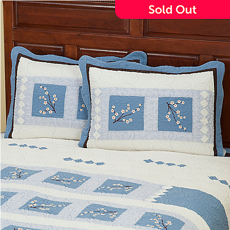 402-015 - North Shore™ Collectible Quilts ''Blossoms'' Quilted Sham Pair