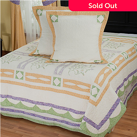 402-085 - North Shore™ Collectible Quilts ''Jasper'' Euro Sham Pair & Bed Skirt Set