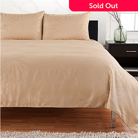 430-645 - Macy's Hotel Collection ''Radiance'' Three-Piece Duvet Set