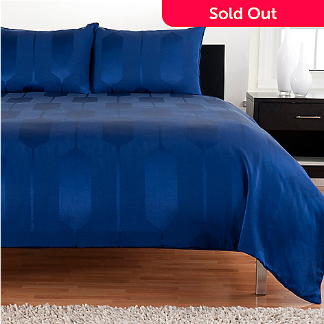 430-935 - Macy's Hotel Collection ''Links'' Three-Piece Duvet Set
