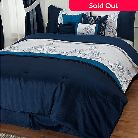 430-946 - North Shore Linens™ ''Printemps'' Eight-Piece Bedding Ensemble