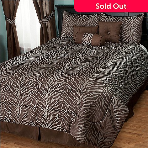 430-952 - North Shore Linens™ ''Jungle'' Jacquard Seven-Piece Comforter Set