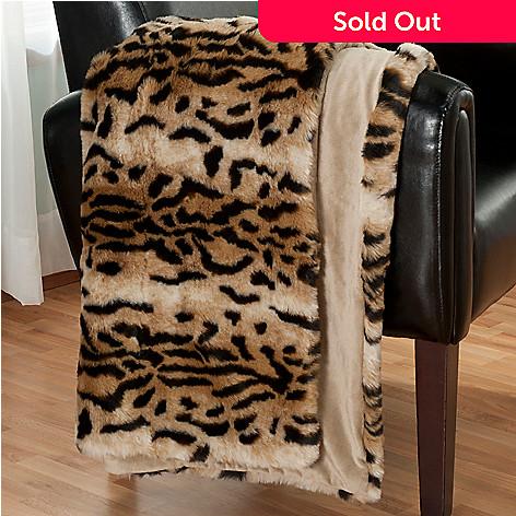431-077 - Macy's Charter Club® 60'' x 50'' Luxury Faux Fur Throw