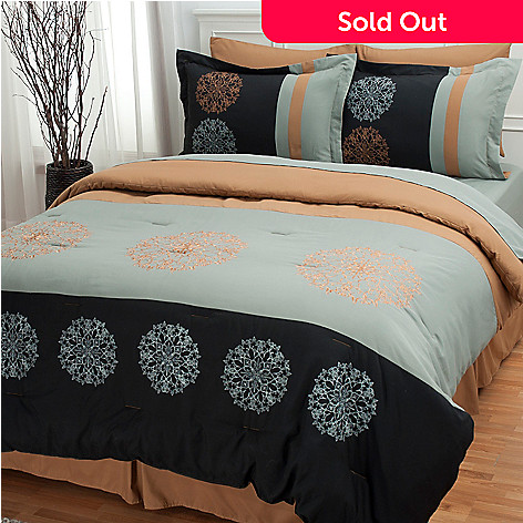 431-311 - North Shore Linens™ ''Royal Garden'' Eight-Piece Bedding Ensemble