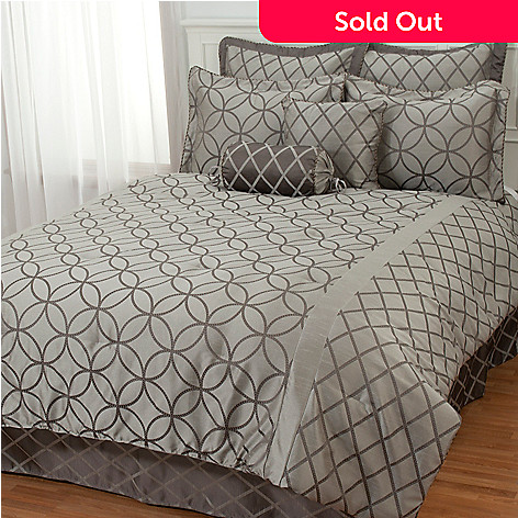 431-397 - North Shore Linens™ ''Lucerne'' Eight-Piece Bedding Ensemble