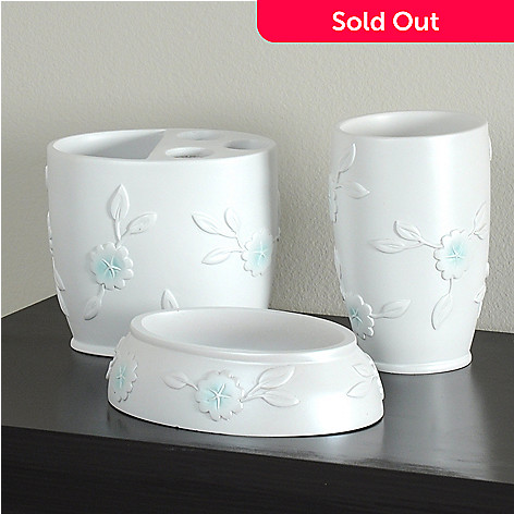 435-555 - North Shore Linens™ ''Florette'' Three-Piece Bath Accessory Set
