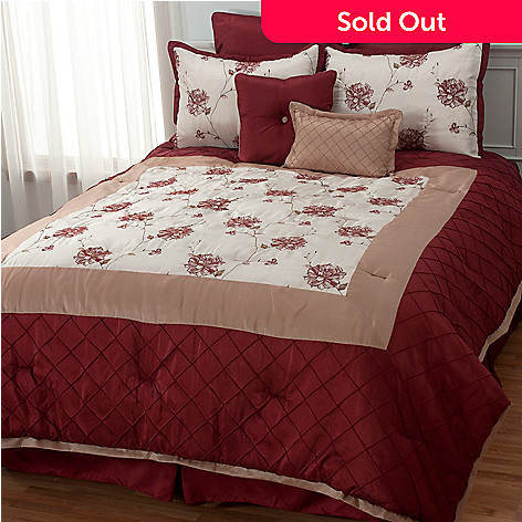 436-007 - North Shore Linens™ ''Valor'' Eight-Piece Bedding Ensemble