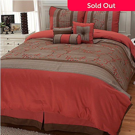 436-243 - North Shore Linens™ ''Taipei Floral'' Seven-Piece Bedding Ensemble