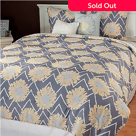 436-672 - North Shore Linens™ ''Naomi'' Five-Piece Reversible Bedding Ensemble